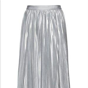 Banana Republic pleated midi skirt silver